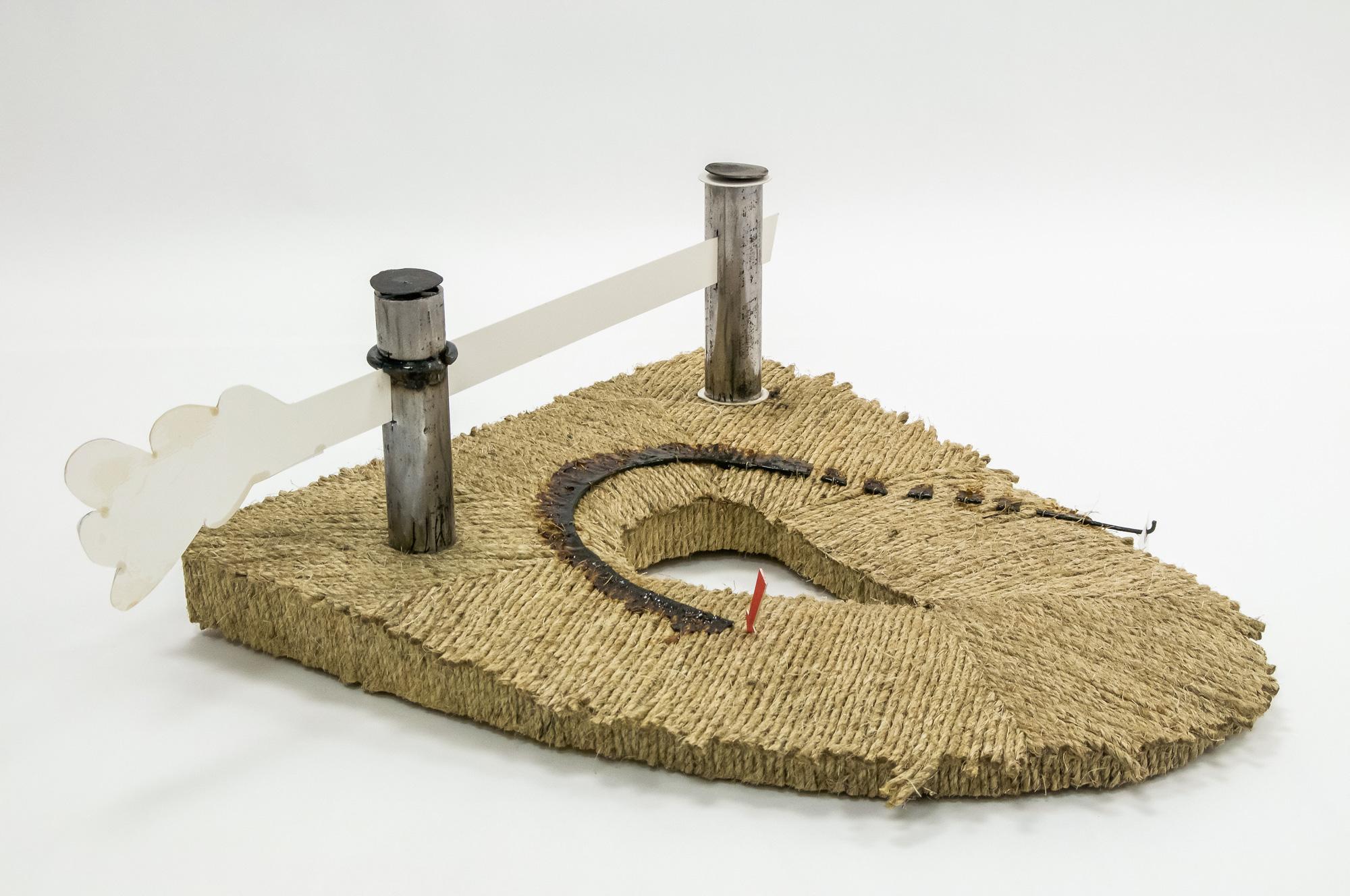 TOR (Plan)  │ metal, wood, plastic, cardboard, fabric │ 2020 │ 30cm x 78cm x 75cm